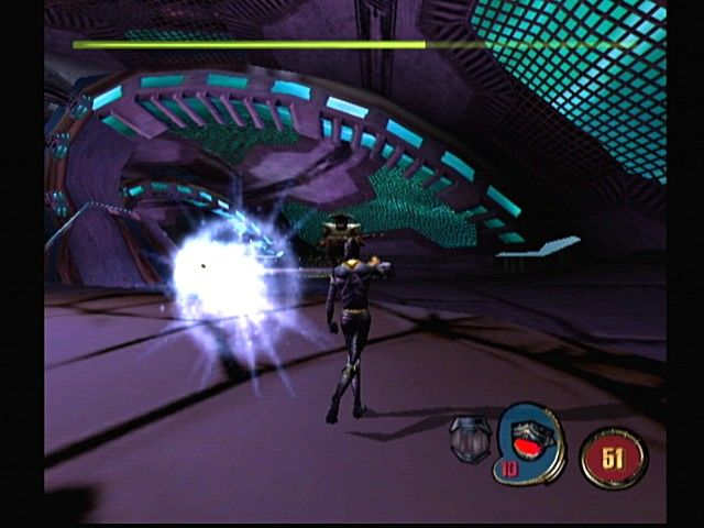 44795-mdk-2-dreamcast-screenshot-dodging-enemy-blasts